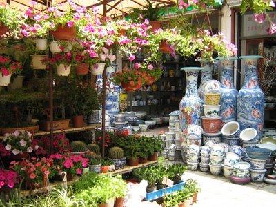 05.07.06-FlowerMarket2[1]-706105